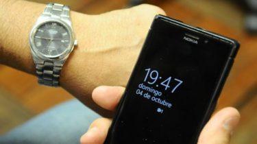 Cambiar la hora en Chile en Smartphones